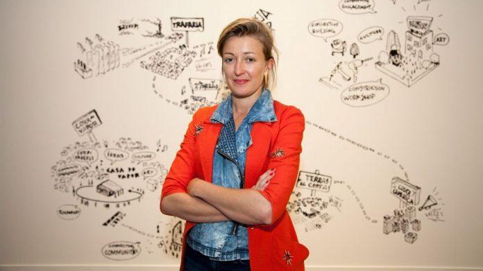 Loreto Martínez Troncoso artista
