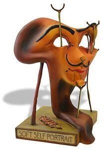 Autorretatro de bacon frito en el museu de dali de figueres