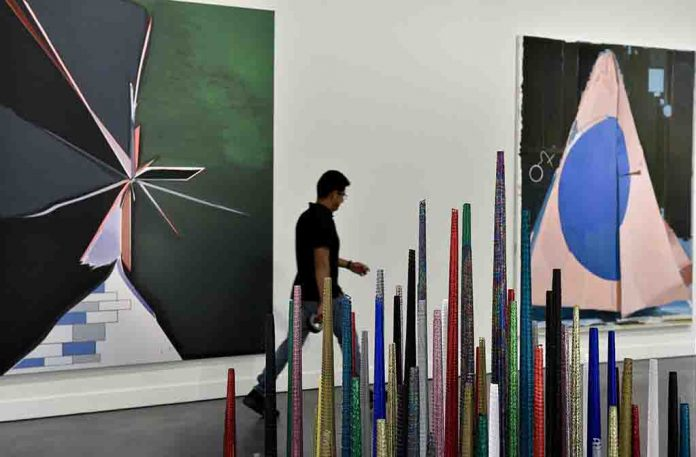 """La pintura, un reto permanente. Colección """"la Caixa"""", la nueva exposición de CaixaForum Madrid que presenta una selección centrada en la abstracción y el concepto de materialidad y de pintura expandida."""