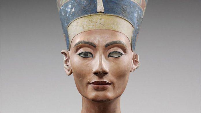 Reina de la dinastía XVIII de Egipto, la segunda gran esposa real de Akenatón.