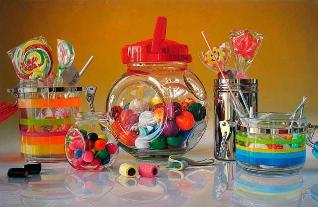 Roberto Bernardi Nacido en Italia (1974). Utiliza como tema principal platos, vasos, electrodomésticos, dulces.