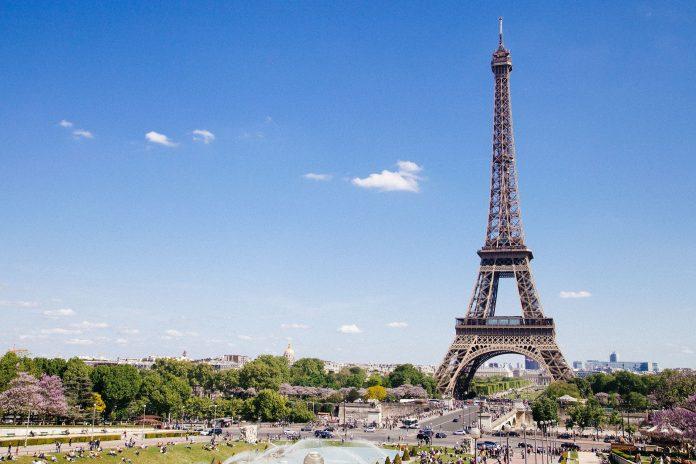 Art Paris se ha convertido en la feria de primavera imprescindible de París para el arte moderno y contemporáneo, reuniendo una vez más a más de 150 galerías de más de 20 países diferentes con un total de casi 1.000 artistas.