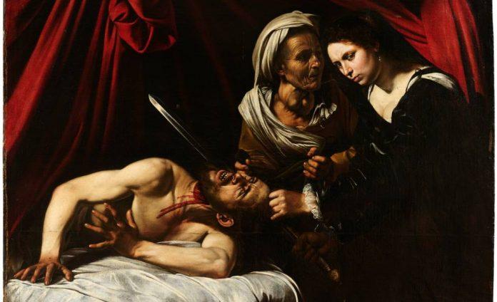 Caravaggio , con el nombre de Michelangelo Merisi , (1571, Milán o Caravaggio (Italia), 1610, Porto Ercole, Toscana), pintor italiano de finales del siglo XVI y principios del XVII que se hizo famoso por el realismo intenso e inquietante de sus obras religiosas a gran escala. Mientras que la mayoría de los otros artistas italianos de su época siguieron servilmente las elegantes convenciones de la pintura manierista tardía , Caravaggio pintó las historias de la Biblia como dramas viscerales y a menudo sangrientos. Pintó las situaciones de la Sagrada Bibilia como si estuvieran ocurriendo en el presente, a menudo trabajando a partir de modelos en vivo a los que representaba con un vestido totalmente moderno. Acentuó la pobreza y la humanidad común de Cristo y los Apóstoles , los santos y los mártires , al enfatizar su ropa irregular y sus pies sucios.