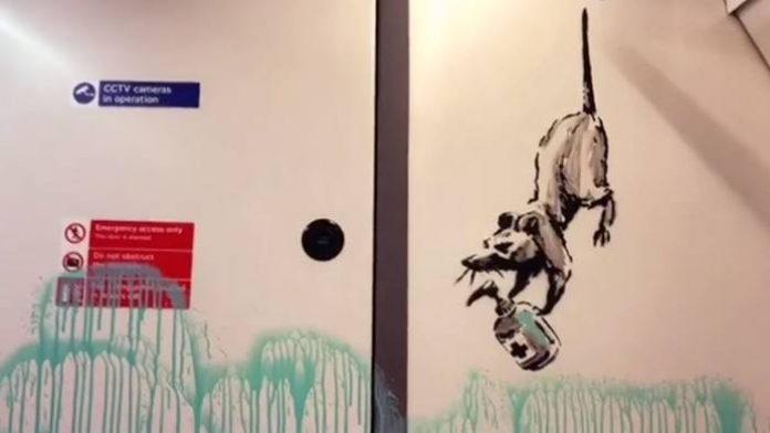 Un operario borra la última obra de Banksy del metro de Londres pensando que era un vulgar grafiti