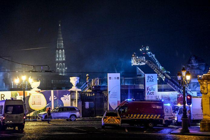 El Centro de Bellas Artes de Bruselas, también conocido como Bozar, ha sufrido importantes daños estructurales después de que se produjera un incendio el 18 de enero. Cerca de 100 bomberos acudieron al museo el lunes por la tarde. El fuego fue contenido a las 9:30 pm.