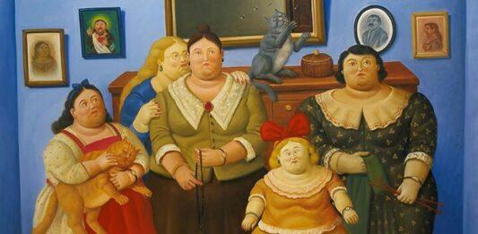 Fernando Botero nació el 19 de abril de 1932 en Medellín, en el seno de la familia conformada por su padre David Botero, su madre Flora Angulo y su hermano cuatro años mayor, Juan David. Cuatro años después de su nacimiento, en 1936 nació su hermano menor, Rodrigo. El mismo año, falleció su padre.